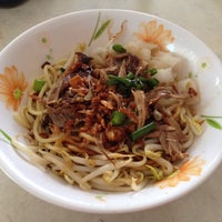 Photo taken at Melaka Chia Yean Famous Duck Mee by Shi Jing on 10/5/2013