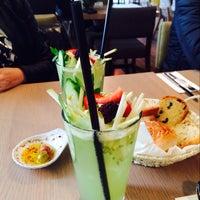 4/15/2014 tarihinde Sinem. A.ziyaretçi tarafından Downtown Food Club'de çekilen fotoğraf