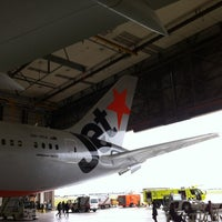 Photo taken at Qantas Melbourne - Maintinance Hanger by Vicky on 10/13/2013