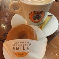 Photo taken at J.Co Donuts & Coffee by Vicky on 3/6/2016