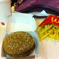 Photo taken at McDonald's by Anna Julia C. on 1/29/2013