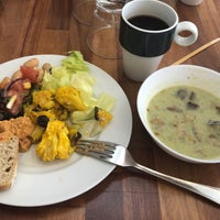 Das Foto wurde bei Deli Café Maya von Olga am 8/10/2018 aufgenommen