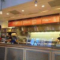 Photo taken at Chipotle Mexican Grill by Jong-Jing P. on 9/8/2013