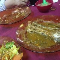 Photo taken at Pak Su Curry House by Izzati M. on 5/13/2016