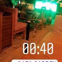 4/11/2018 tarihinde Baris B.ziyaretçi tarafından Gaja Garden Cafe & Hookah/Lounge'de çekilen fotoğraf