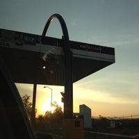Photo taken at Autopista Arco Norte (Caseta Atitalaquia) by Serch .. on 4/18/2013