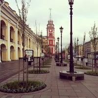 Photo taken at metro Gostiny Dvor by Semyon S. on 5/20/2013