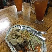 Foto diambil di kak e restoran oleh Abu Omar S. pada 6/19/2017