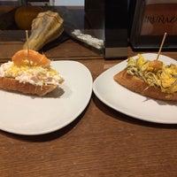 Foto tomada en Iruñazarra Bar Restaurante por Claire C. el 11/24/2016
