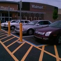 Das Foto wurde bei Walmart Supercenter von Knivez C. am 6/19/2013 aufgenommen