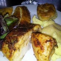 Das Foto wurde bei Paschal's Restaurant von Dark N. am 12/9/2012 aufgenommen