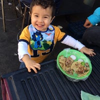 Photo taken at Tacos Don Manuel Suadero by Ricardo G. on 2/1/2014