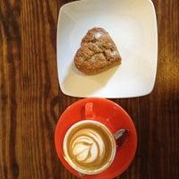 Foto tomada en Cafe Grumpy por Zach H. el 2/14/2013