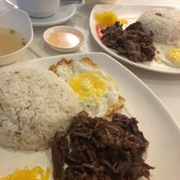 Photo taken at Tapa King by Ahn B. on 2/6/2017