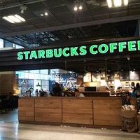 Photo taken at Starbucks by Stephano L. on 3/30/2013