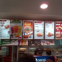 Photo taken at KFC by Yanny T. on 3/17/2013