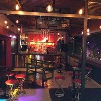 Foto diambil di Kinky Bar oleh Pablo G. pada 10/6/2013