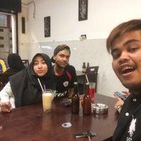 Photo taken at Lekor - Terengganu Malaysian Cuisine by Aziz A. on 2/25/2016