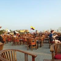 Foto tomada en Café del Mar por Leonel David G. el 3/30/2013