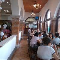 Das Foto wurde bei Los Farolitos von Alex B. am 11/4/2012 aufgenommen