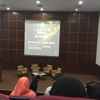 Photo taken at Auditorium Perpustakaan Sultanah Nur Zahirah, UMT by Liyana M. on 3/26/2016