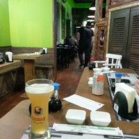 Foto tirada no(a) Hamadaya Sushi Bar por Vanessa M. em 10/12/2013