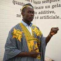 รูปภาพถ่ายที่ Ciacco. Gelato senz'altro โดย Linda M. เมื่อ 3/23/2015
