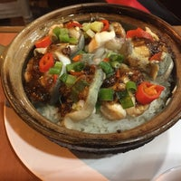 Photo taken at Kwan Kee Claypot Rice by G M. on 10/19/2016