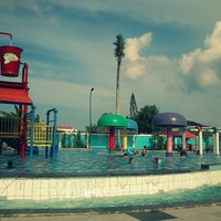 Photo taken at Kenari Waterpark Bontang by Yoga H. on 12/28/2013