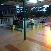 Photo taken at Masjid Qariah Teluk Kemang by Syameel S. on 4/14/2017