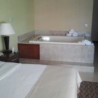 Photo taken at Holiday Inn Blmgtn Arpt South- Mall Area by Brian S. on 9/21/2012