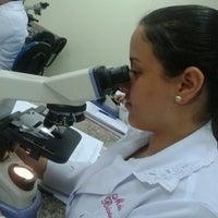 Photo taken at Laboratorio De Microscopia - 1202 by Maíra B. on 3/18/2013