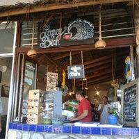 Foto tomada en Looney Bean Coffee por Roger G. el 3/21/2014