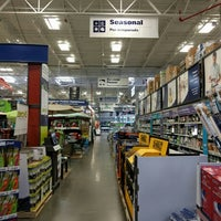 Photo taken at Lowe's Home Improvement by Sundai S. on 5/20/2016
