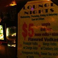 Photo prise au Wokcano Asian Restaurant & Lounge par Charles B. le5/31/2012
