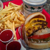 Photo taken at In-N-Out Burger by Payman B. on 8/20/2011