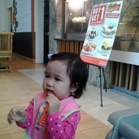 Photo taken at Kenny Rogers Roasters by Pax S. on 7/11/2014
