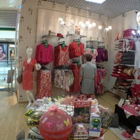 Photo taken at Лора Эшли / Laura Ashley by Eugene D. on 6/4/2013
