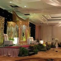 Photo taken at Alamanda Ballroom Imperial Aryaduta by Hasbullah I. on 10/26/2013