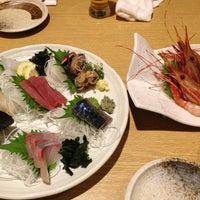 Photo taken at すし 魚游 (うおゆう) 横浜鶴屋町店 by Yoshihiro T. on 3/26/2013