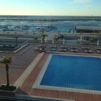 Foto tirada no(a) Real Marina Hotel & Residence por Cristiana G. em 12/1/2012