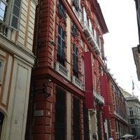 Foto scattata a Palazzo Rosso da Orange D. il 7/18/2013