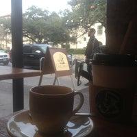 Photo prise au Caffé Medici par Andrew S. le12/26/2012