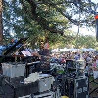 Photo taken at Jazz On The Plazz by Ilian G. on 6/30/2016