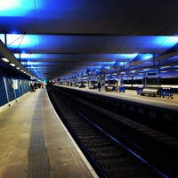 Photo taken at London Blackfriars Railway Station (BFR) by Vaughan E. on 3/20/2013