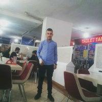 Photo taken at Meşhur Adıyaman Çiğköftecisi Bayram Usta by Ha K. on 10/19/2016