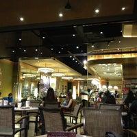 Photo taken at The Coffee Bean & Tea Leaf by Simon T. on 3/8/2013