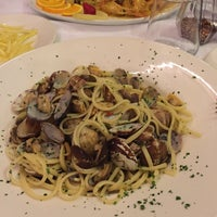 Foto scattata a Trattoria Pizzeria Galleria da Arwa N. il 8/9/2016