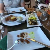 5/13/2018 tarihinde Gözde Nursoyziyaretçi tarafından LA Mahzen Restaurant'de çekilen fotoğraf