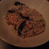 รูปภาพถ่ายที่ Pesce Seafood Bar โดย Erik R. เมื่อ 10/27/2013